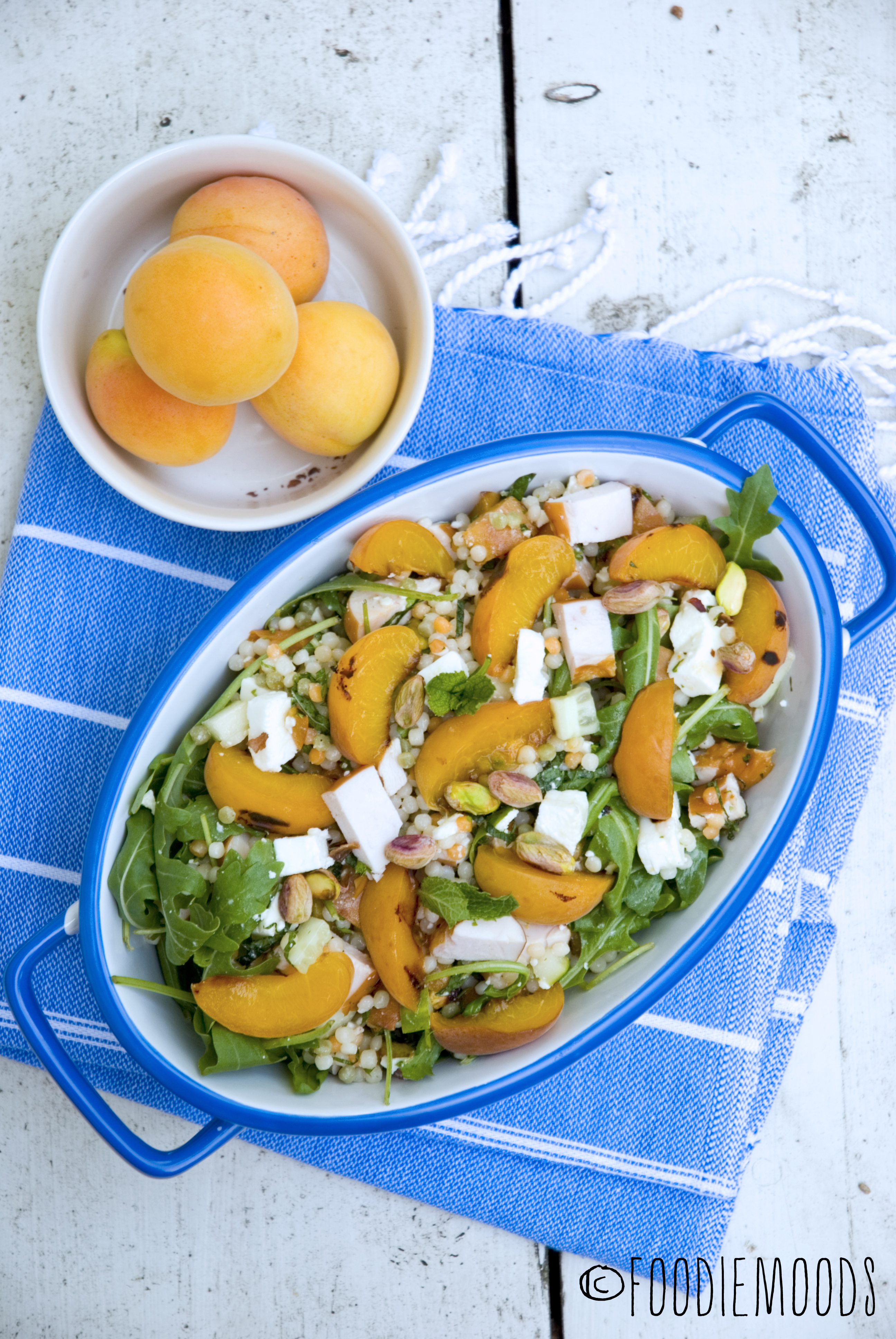 zomersalade gerookte kip gegrilde abrikozen recept miss foodie