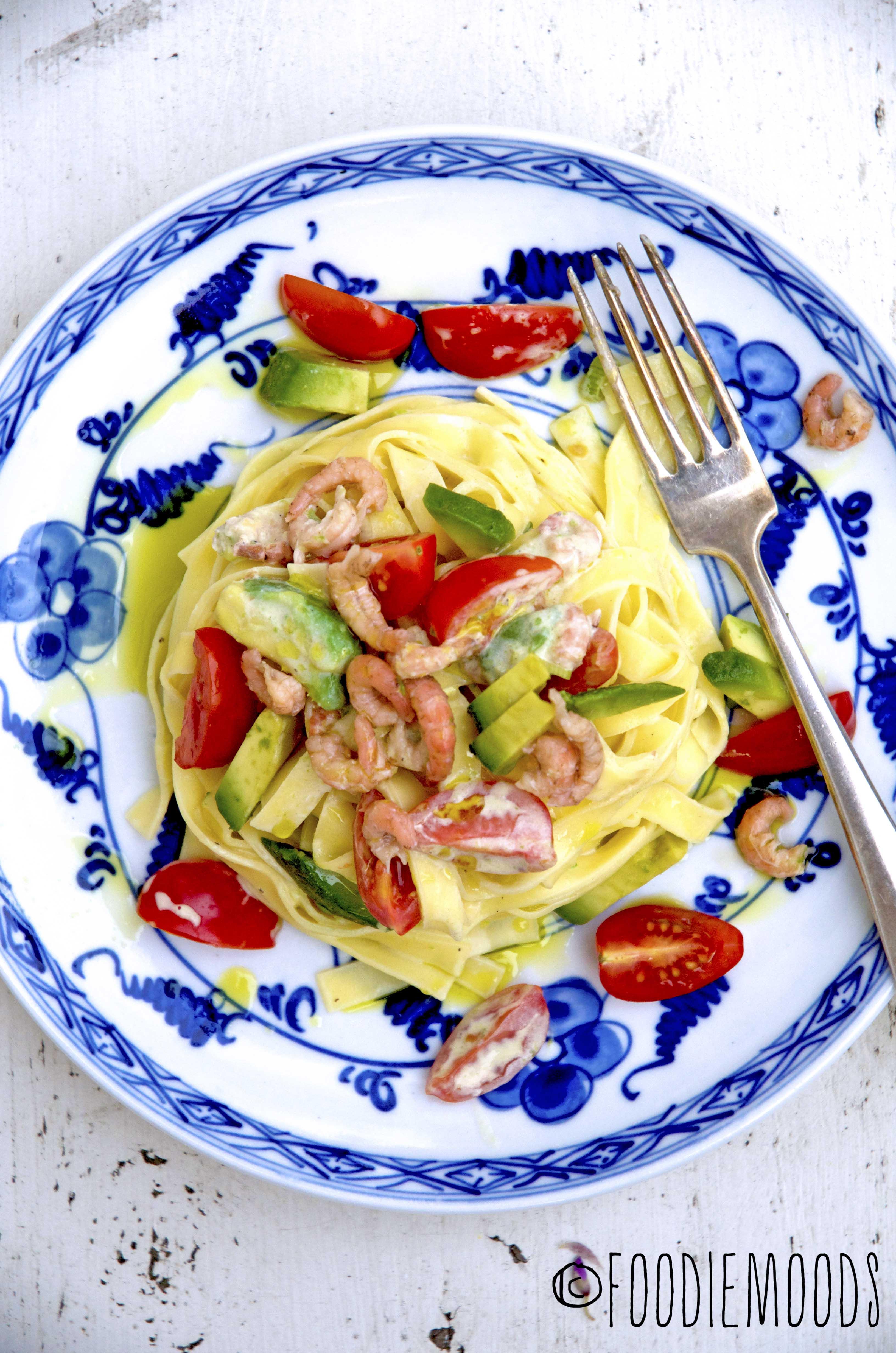 recept Miss Foodie pasta met garnalen, avocado en kerstomaatjes