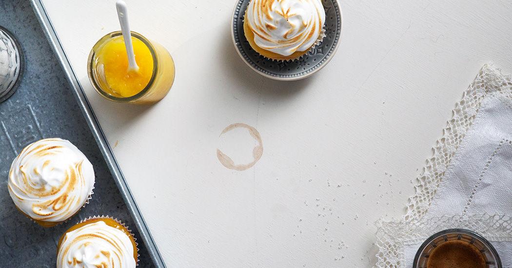 meringue cupcakes met curd